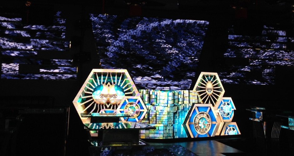 custom dj booth creates stunning effect