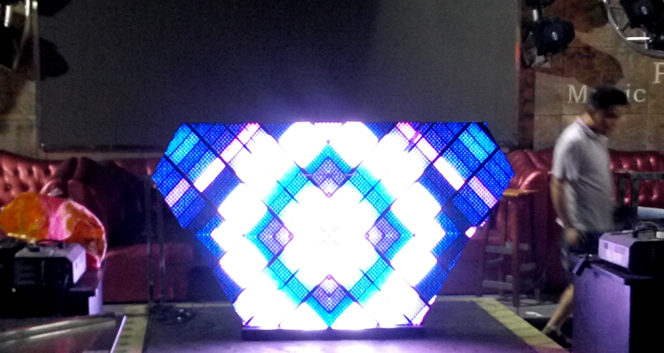 创意形状dj展位屏幕