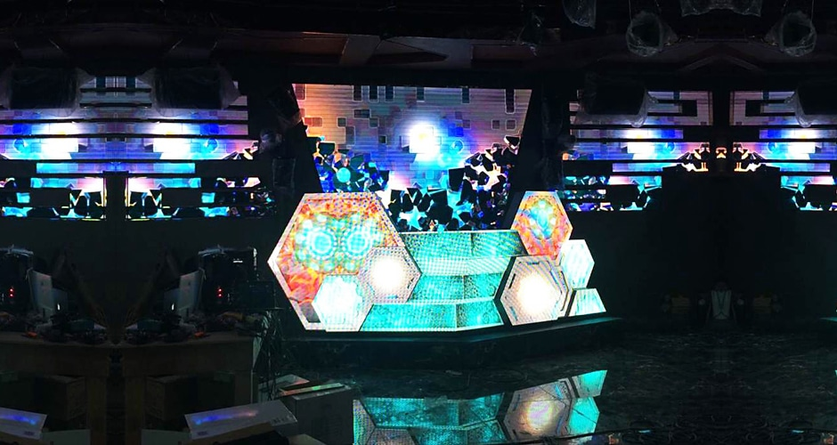 immersive visual experience custom dj booth