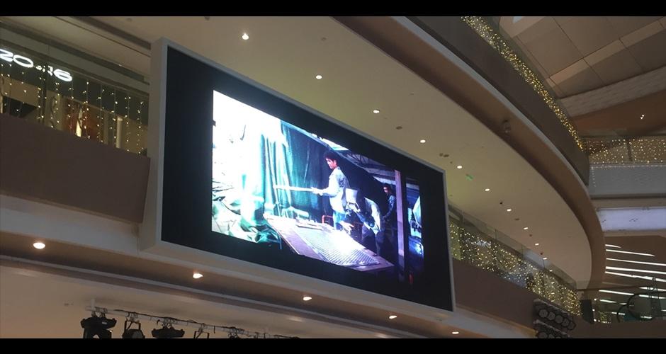 hd video ekranı sürükleyici görsel deneyim yaratıyor