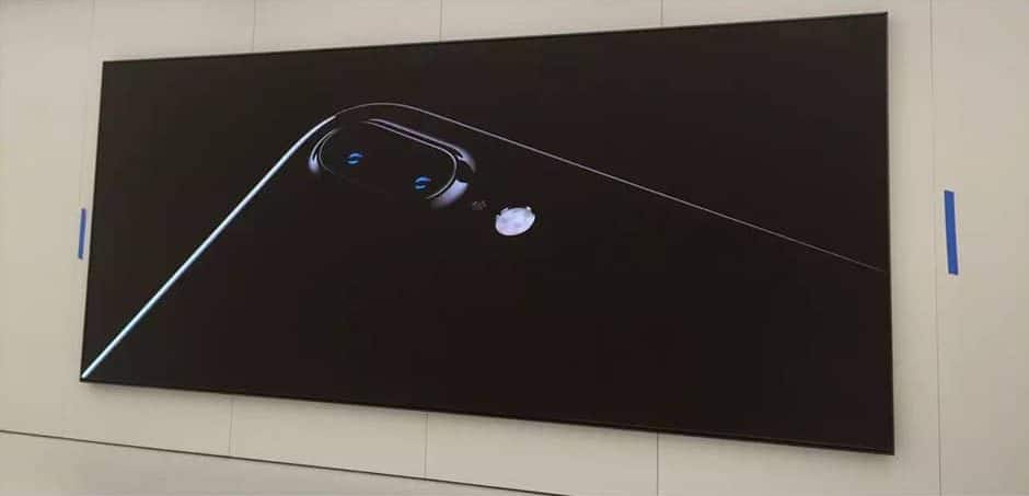 small pitch led display creates immersive visual experience in apple store