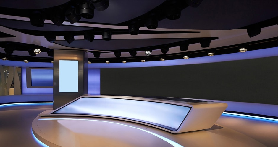 cable-free connection video wall for broadcast