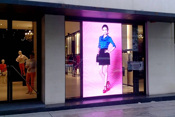 led video wall in retail