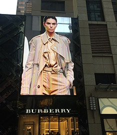 LED-advertising-screen-for-burberry